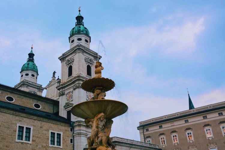 Mozartplatz2