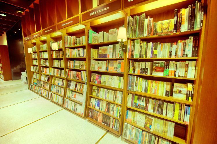 Eslite Bookstore (Xinyi location)1