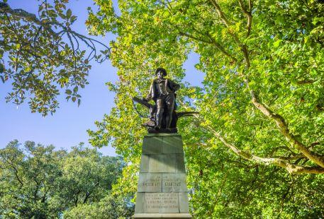 Robert Burns Statue