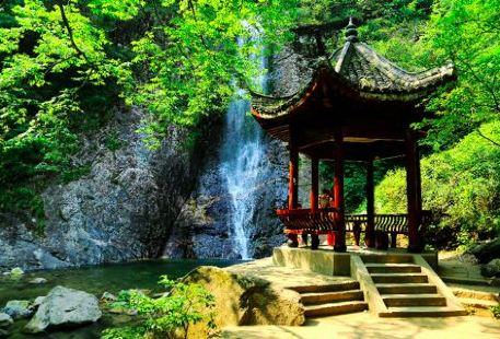 羅田大別山旅遊區天堂寨景區-涼亭