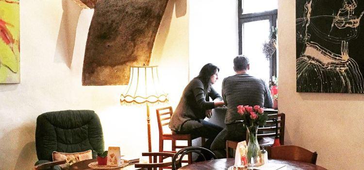 Egon Schiele Cafe2