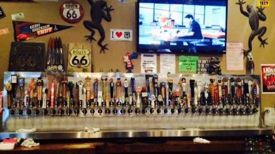 Hoppers Pub