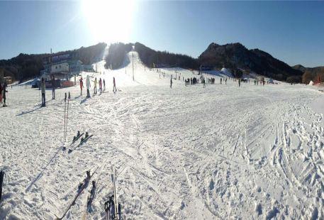 Qipanshan Ice and Snow World