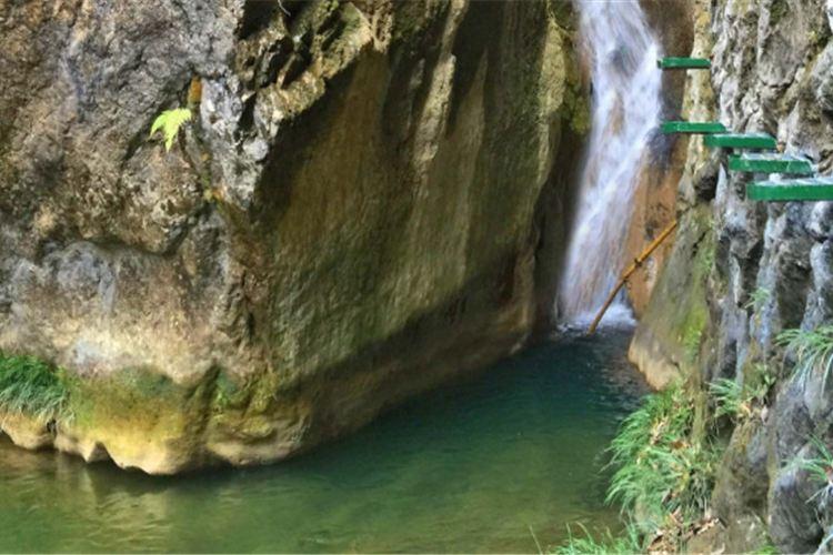 雁山瀑布4