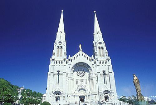 魁北克聖安妮大教堂1