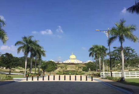 Bukit Kayangan Palace