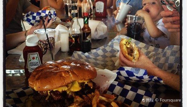Fat Guy's Burger Bar2