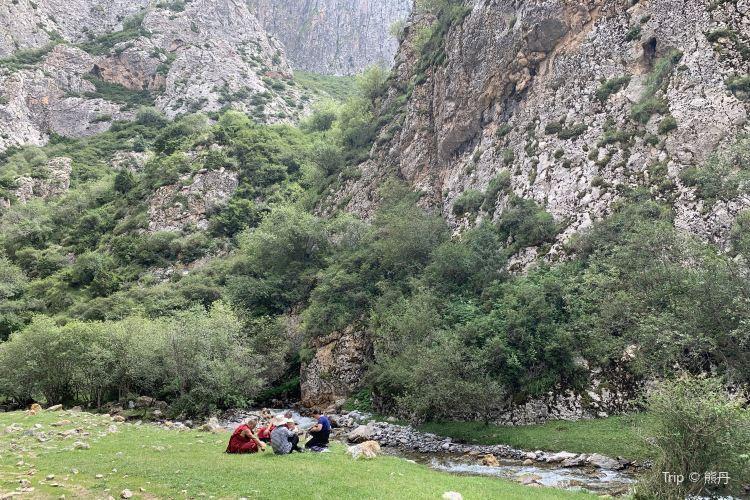 White Rock Cliffs2