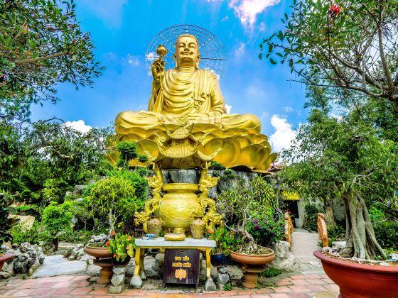 Statue Of Golden Buddha