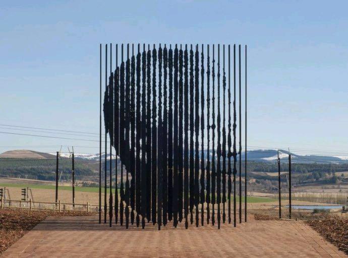 曼德拉紀念雕塑