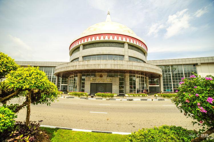 Jame' Asr Hassanil Bolkiah Mosque3