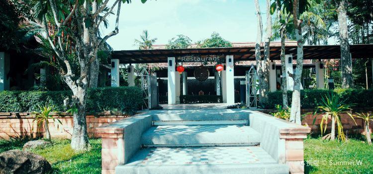 Takola Restaurant2