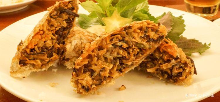 Hum Vegetarian, Cafe & Restaurant2