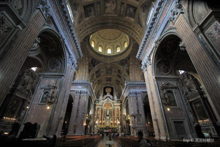Church of Gesù Nuovo3