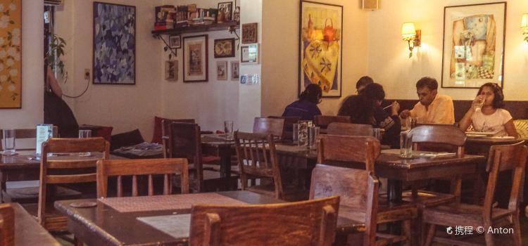 Corner Tree Cafe3