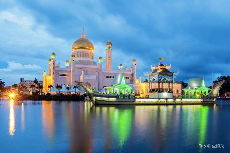 Sultan Omar Ali Saifuddien Mosque4