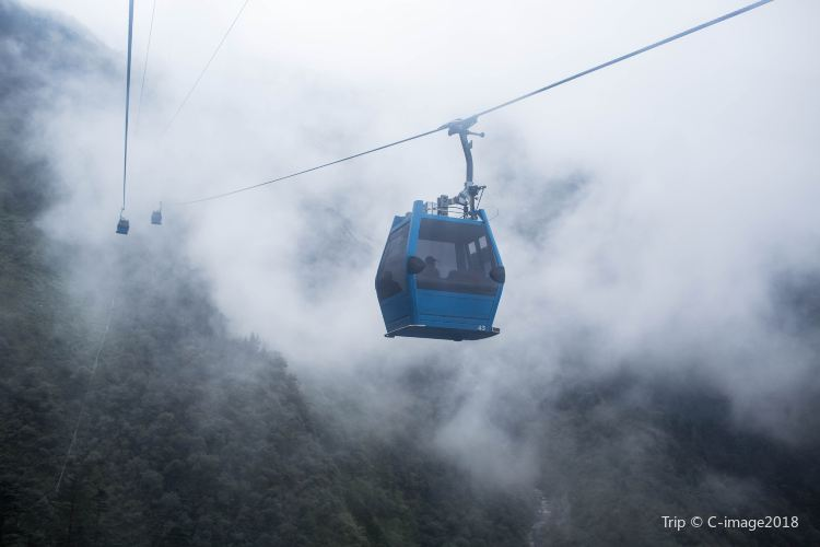 Yulong Snow Mountain Cableway4