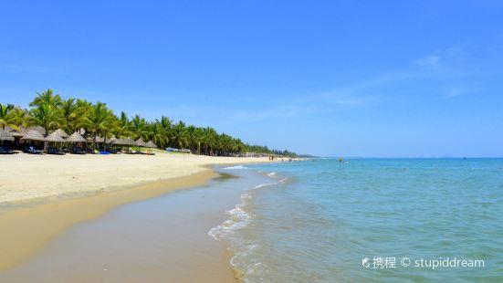 Cửa Dai Beach