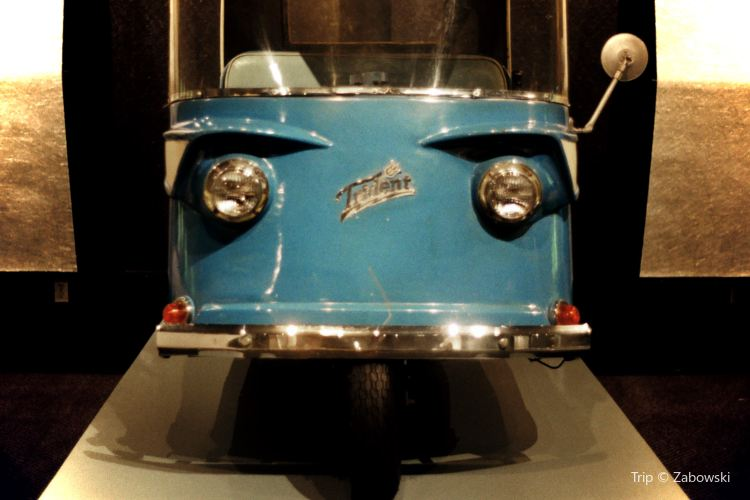 Petersen Automotive Museum3