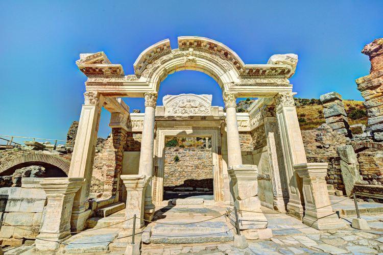 哈德良神廟