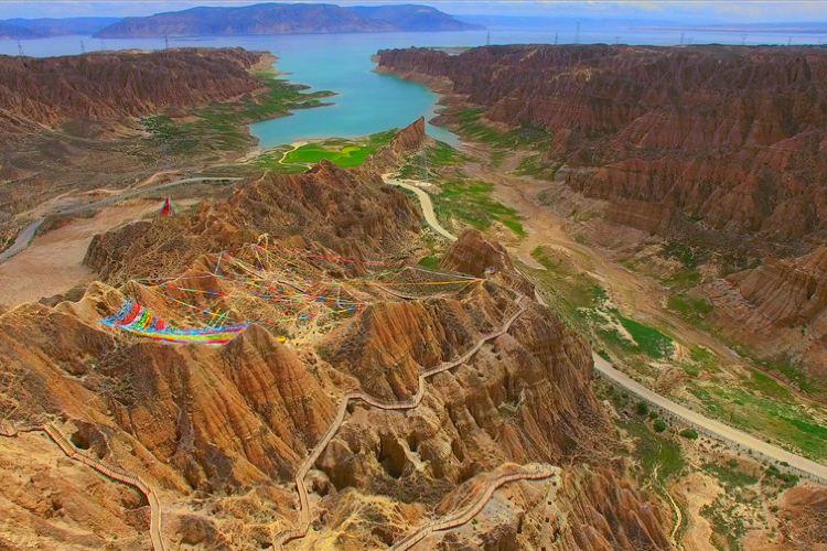 Longyangxia Ecological Tourist Resort2