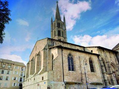 獅子聖蜜雪兒教堂