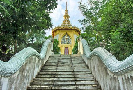 Temple of Wat Yanasangwararam Woramahawihan