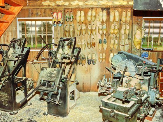 Wooden Shoe Workshop 'De Zaanse Schans'