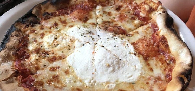 Louisiana Pizza Kitchen French Quarter3