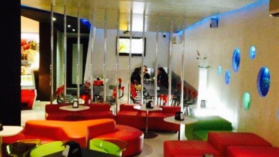 Matrix Café