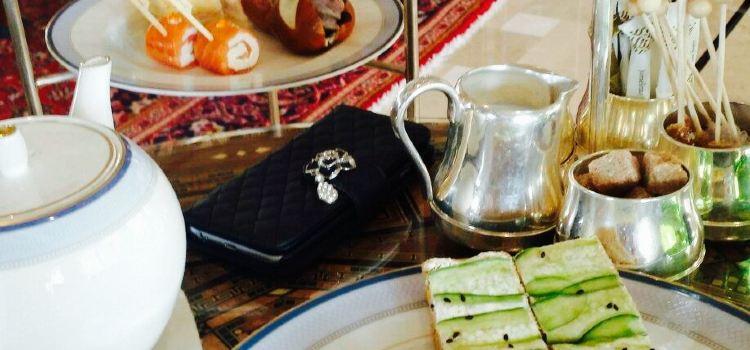 Al Fayrooz Lounge1
