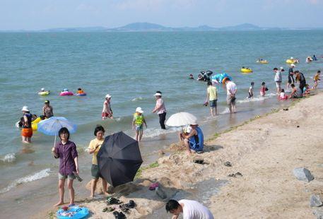 Jogeumnaru Beach