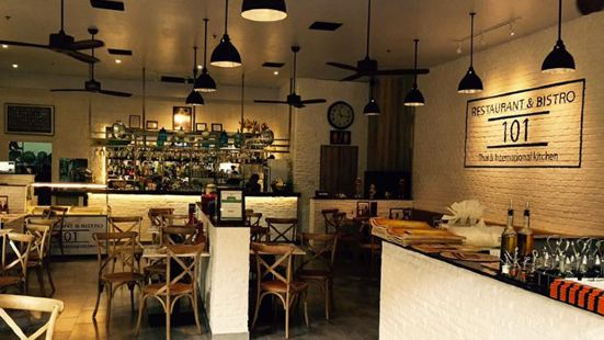 Cafe 101 Bar & Restaurant