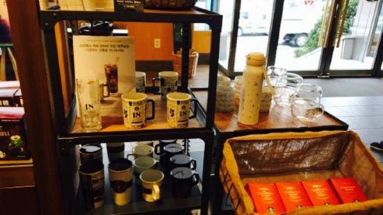 Starbucks Chuncheon E-Mart