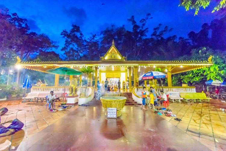Preah Ang Chek Preah Ang Chorm
