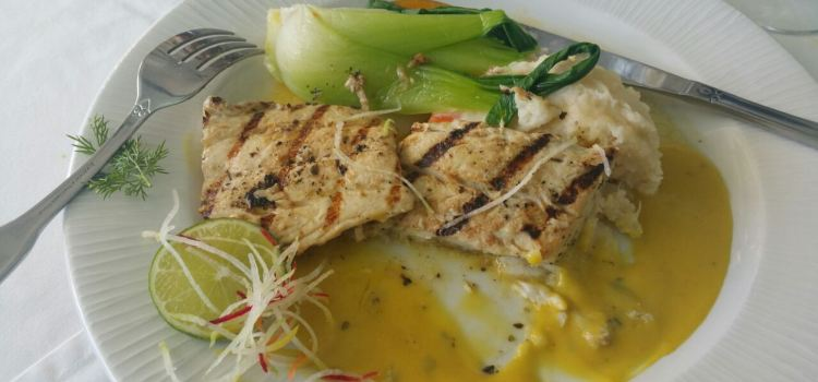 Champers Restaurant3