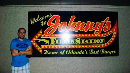 Johnny's Fillin Station