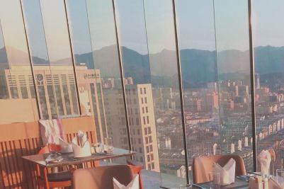景瀚大酒店攬景閣旋轉餐廳