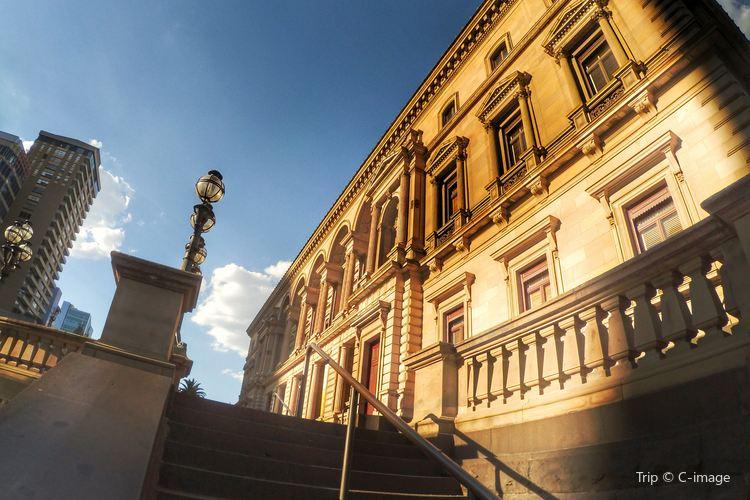 Old Treasury Building1