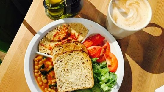 Backpackers Cafe / Bar / Restaurant