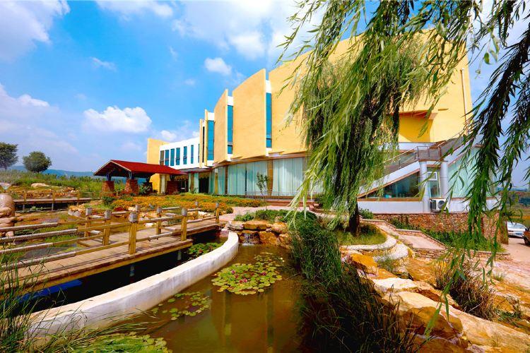 Bamboo Spring Village3