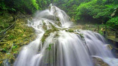 Qingyuan Tianzishan Waterfall