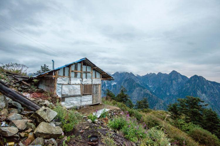 Jiufeng Mountain Scenic Area3