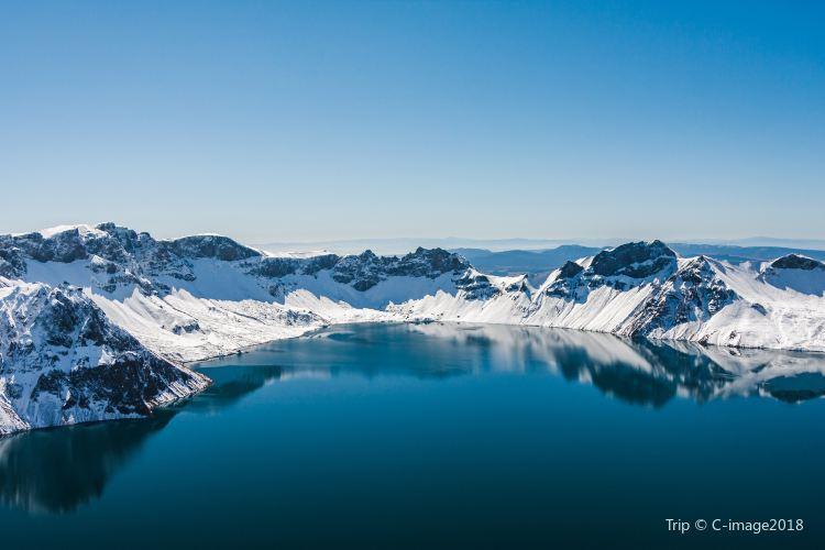Heaven Lake on Changbai Mountain2