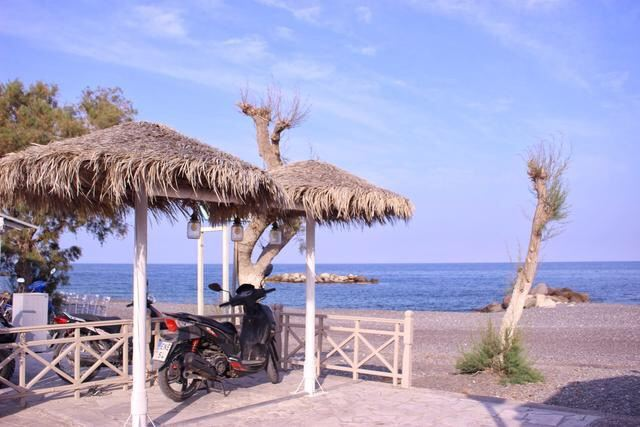 Kamari Beach3
