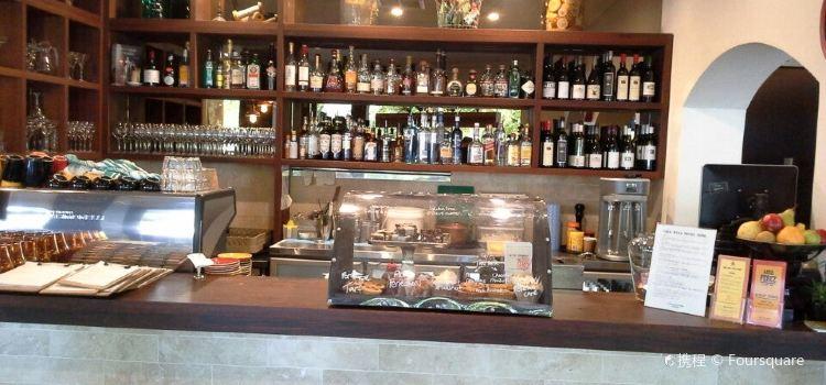Miss Perez Kitchen and Bar