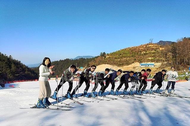 桃花沖滑雪世界