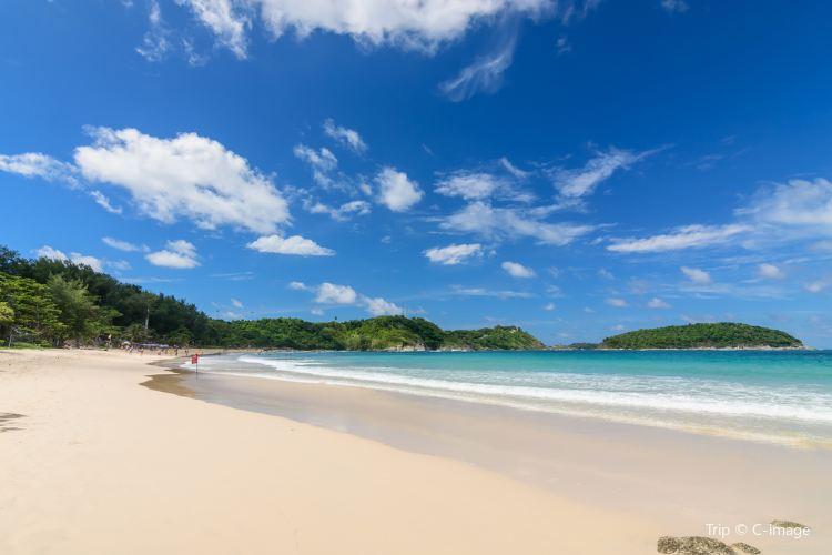 Nai Harn Beach2