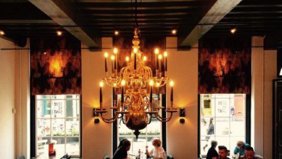 STUYVESANT wijnlokaal brasserie