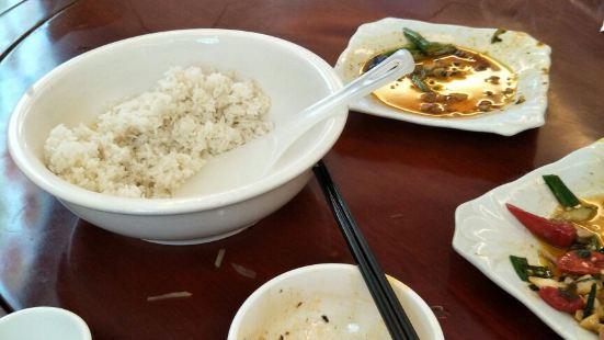 土雞河魚小菜館(梵淨山店)